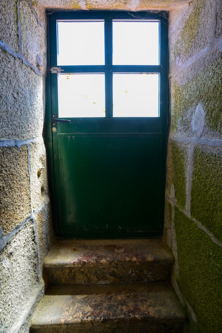 corrubedo-faro-puerta-galeria.JPG