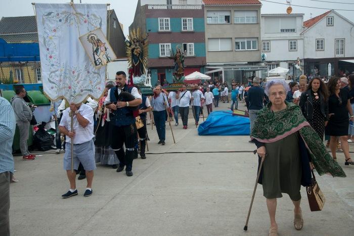 procesion-carmen-fiestas-corrubedo-3.JPG
