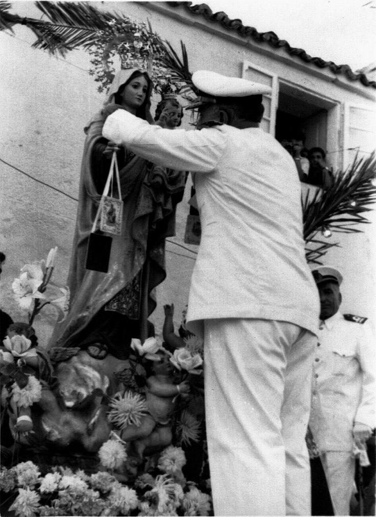 colocacion-medalla-salvamento-virgen-carmen-1961