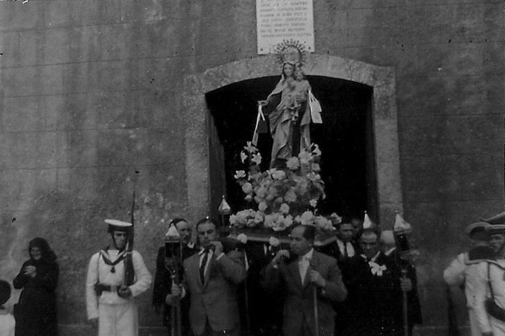 procesion-carmen-medalla-debonair-corrubedo.jpg