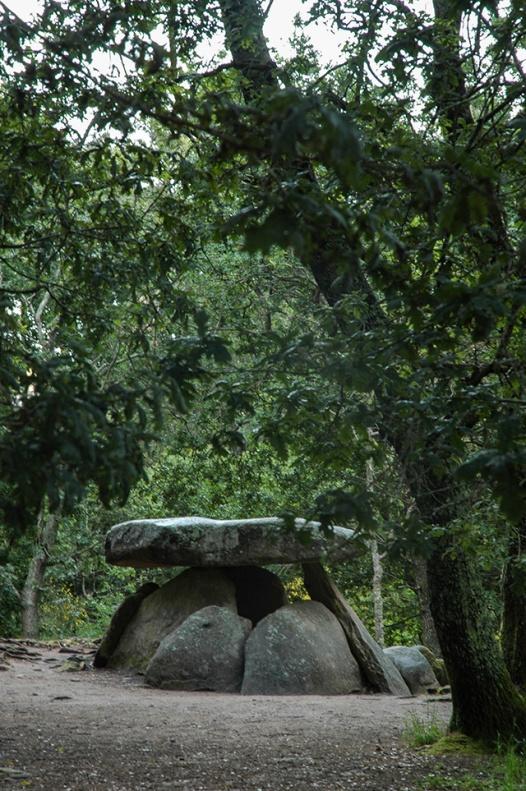 dolmen-axeitos.jpg