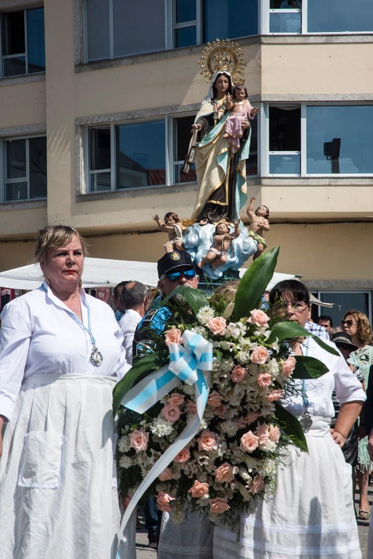 procesion-corrubedo-4.JPG