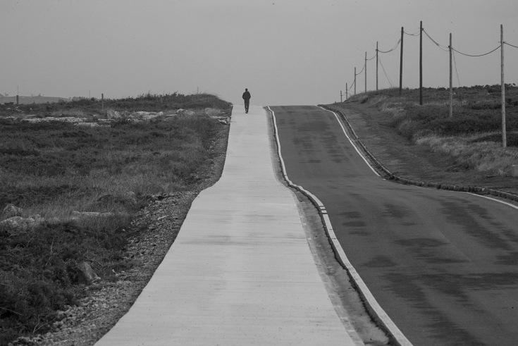 carretera-faro-corrubedo.JPG
